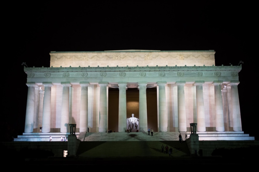 washigton_dc_lincoln_memorial_at_night