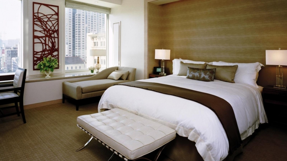 StRegis_Superior_Guest_Room
